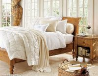 warm-beautiful-christmas-bedding-home-furnishings-white-fluffy