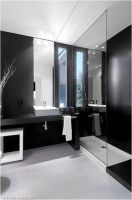 glossy-house-bathroom-design
