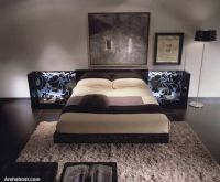 italian-bedroom-decor-with-decorative-side-space