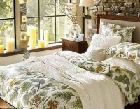 warm-beautiful-christmas-bedding-home-furnishings-green-leaves-design