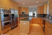 Gourmet-Kitchen-with-Granite-Island